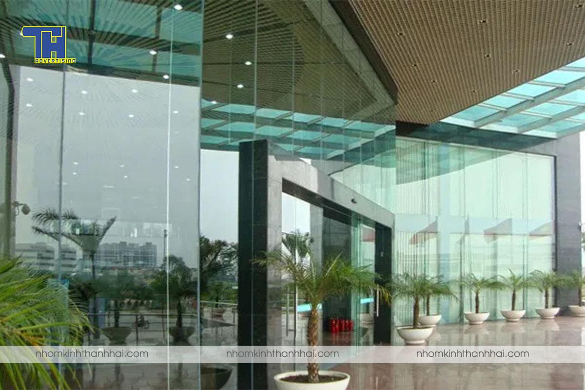 Lắp đặt vách ngăn nhôm kính tại Hà Tĩnh